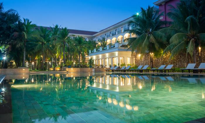Tropi-Coco Pool