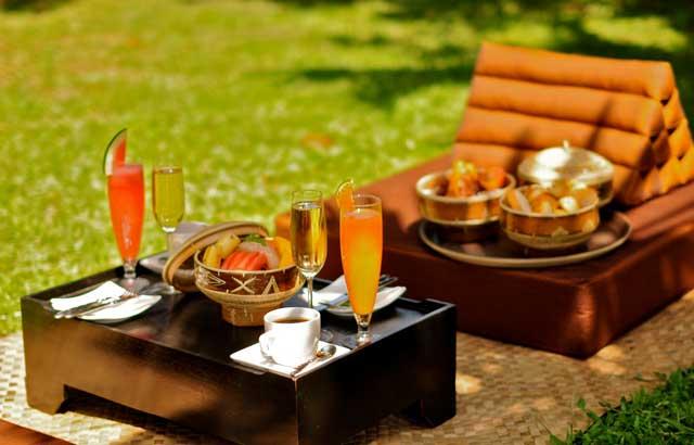 champagne-breakfast