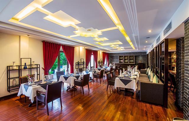 fine-dining-restaurant2