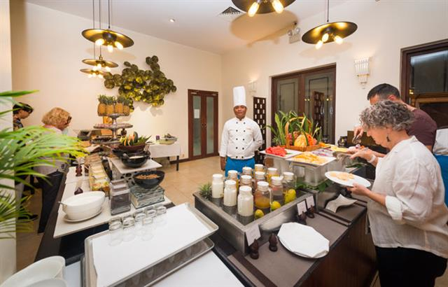 le-blanc-restaurant-at-lotus-blanc-resort-03