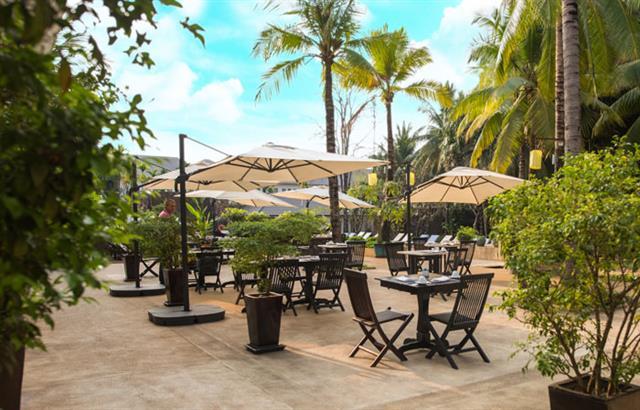 le-blanc-restaurant-at-lotus-blanc-resort-05