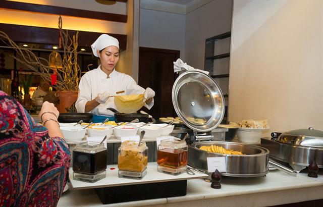le-blanc-restaurant-at-lotus-blanc-resort-06
