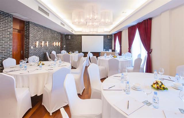 lotus-meeting-room-2