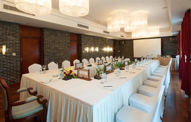 lotus-meeting-room-4